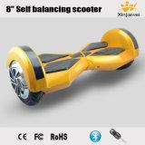 Intelligenter Selbst, der elektrischen E-Roller balanciert
