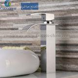 Le robinet en laiton de bassin de baignoire avec le filigrane a reconnu pour la salle de bains