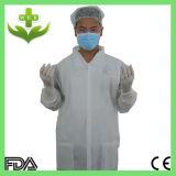 使い捨て可能な病院医学PPの非編まれた実験室のコート