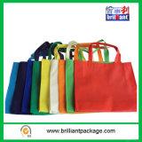 O saco de compra de dobramento do poliéster com bolsa