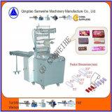 Tipo de envolvimento excedente automático máquina de empacotamento Swh-7017 do biscoito