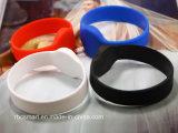 La identificación impermeable del silicón RFID saltara la pulsera para los Wristbands del control de acceso de la piscina
