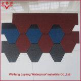 Azulejos de azotea llanos tipo y ripias rojas materiales del asfalto de la fibra de vidrio y del asfalto