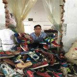 Exportación al mercado de África Zapatos usados de gran tamaño Venta al por mayor, zapatos usados del deporte del cuero del Mens