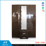 インドデザイン鋼鉄Almirahの寝室の家具3のドアの金属のワードローブ