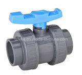 Vávula de bola verdadera de la unión del PVC del plástico para el abastecimiento de agua con ISO9001