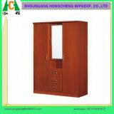 ثلاثة ساحب وثلاثة أبواب خزانة ثوب خشبيّة