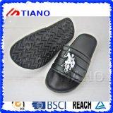 Le noir latéral de sport chausse le poussoir de l'homme (TNK24912)