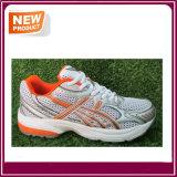 Les chaussures de course de sport d'hommes vendent en gros