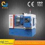 Vmc550L CNC-Maschine, die mit automatischem Hilfsmittel-Wechsler prägt