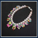 Collar de acrílico de la joyería de la manera de la nueva del item resina de cristal de la perla