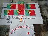Покер играя карточек в коробке олова