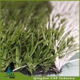 Grama de Whrite com grama verde para o mini futebol