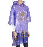 Poncho pourpré de qualité pour le poncho en plastique Rainsuit de PE de polyéthylène de poncho remplaçable de PE de promotion