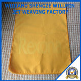 Embrossed LogoのMicrofibre Face Towel