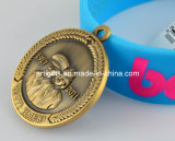 リボンが付いている昇進のスポーツの金属メダル