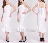 Più donne Choice di colore hanno personalizzato i maxi vestiti bianchi