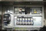 Máquina de rellenar líquida automática con la línea de envasado de etiquetado que capsula