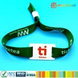 Braccialetto su ordinazione del wristband tessuto RFID Ntag213 NFC della gestione dei aceess di festival