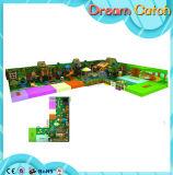 O primeiro Bratch do campo de jogos interno de Playgroundr do estilo da antiguidade do material do tema da floresta