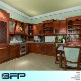 標準的な様式の純木の家具のカシ木食器棚