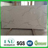 Laje artificial da pedra de quartzo de Calacatta para a bancada da cozinha