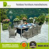Jogo ao ar livre secional da tabela de jantar da mobília do jardim do Rattan das vendas quentes
