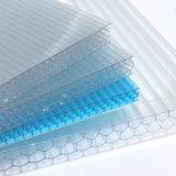 Fabrication transparente de feuille de toiture de polycarbonate de nid d'abeilles