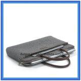 Saco portátil Eco-Friendly do punho do portátil de feltro de lãs do projeto simples, saco de mão macio personalizado do Tote do portátil com o punho confortável de couro