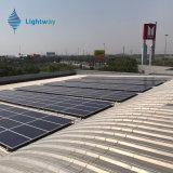 工場320W太陽モジュールからの太陽電池パネル