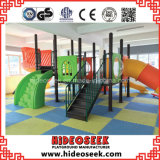 Estilo de la naturaleza Kids Play Ground con diapositivas y escalada