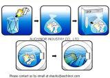 Sacchetto solubile in acqua ed a gettare della lavanderia di PVA su un rullo