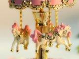 Das fröhliche Harz gehen Umlauf-Karussell-Spieluhr mit LED-Beleuchtung-Geburtstag-Weihnachtsgeschenk-Spielwaren für Kinder