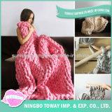 Cobertor tricotado manualmente do Crochet de lãs base macia acrílica