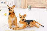 Cane di seduta simulato giocattolo dell'animale farcito della peluche