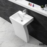 Lavabo indipendente di superficie solido della stanza da bagno bianca pura del basamento