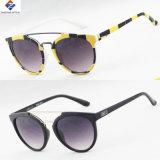 2016 óculos de sol fêmeas plásticos de vinda novos clássicos