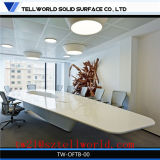 修理可能で絶妙なオフィスの会議の会議室表の大理石の会議の席