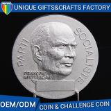 よい価格OEMは金属のバッジおよびギフトの硬貨をカスタマイズする