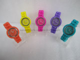Montre de torsion de silicones de dames de mode de promotion