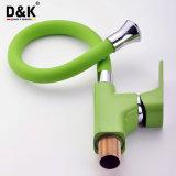 Rubinetto d'ottone della cucina di verde di modo di nuova alta qualità di disegno con il becco flessibile