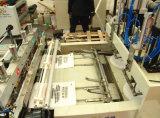 Máquina que sopla y la bolsa de plástico de la película plástica que hacen la máquina