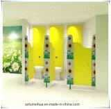 フィートが付いている花の形の子供の養樹園の洗面所の区分