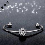 La plata barata del precio de la joyería del encanto plateó la pulsera del corte de la flor