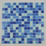 El diseño de la piscina del mosaico libera