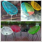 Cadeiras coloridas de ovos Acapulco em preto, branco, amarelo, vermelho, azul, verde para uso externo