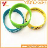 Bracelete de borracha personalizado Promontional do silicone da faixa da mão do logotipo da alta qualidade