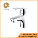 Faucet de bacia de lavagem de bronze do corpo