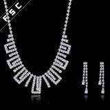 La joyería nupcial elegante de la venta caliente al por mayor fijó con el cristal