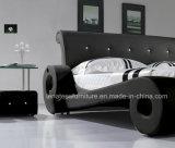A038車によって形づけられるデザイン黒の革ベッド